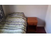 Spare single room for rent - tidy home - Chelmsford