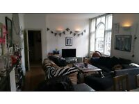 room available in beautiful and large 2 bed first flat central crouch end N8