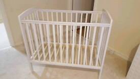 Babies cot 59x 105 cm with matress