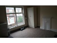 Lovely double room to rent (all bills inclusive) in clean house close to Scunthorpe town centre