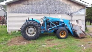 Ford Industrial Tractor with Bucket