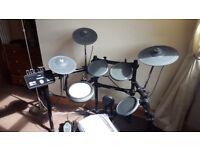 Yamaha DTX522K electronic drum kit inc. bass pedal + stool