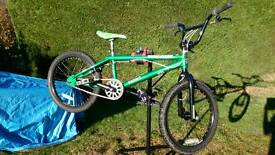 "Mongoose Expert 20"" bmx, sun rims, odyssey tyres, braided brake cables"