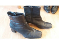 Black boots with block heel, womens size 4, good condition