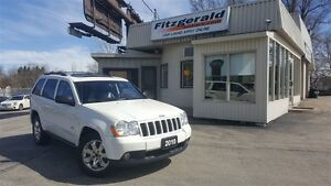 2010 Jeep Grand Cherokee Laredo - LEATHER! BACK-UP CAM!
