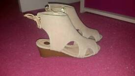 Girls size 10 river island wedges