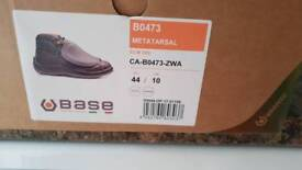 Safety boots (size 10)