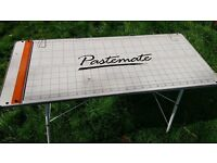 Pastemate pasting wallpaper table