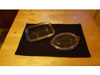 Set of 2 glass pie/casserole dishes by Pyrex. £2 for set, bargain!