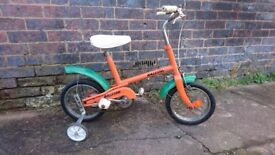 VINTAGE 1960S RALEIGH RSW ELF CHILDS BICYCLE WITH STABILIZERS FAB PLAYROOM NURSERY SHOP DISPLAY USE