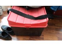 FULL FISHING SET UP,CARP,PIKE,CANAL AND RIVER PLUS SEAT BOX