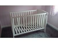 Mamas and Papas Willow cot and change unit