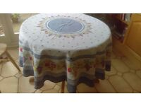round tablecloth 16 cms diameter