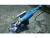 Angle grinder / disc cutter with jig