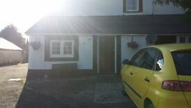 one bedroom cottage to let fully furnished with parking area no smoking no pet