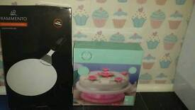 Cake Lifter and Decorating Turntable. New