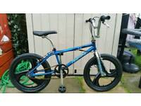 RUPTION TX5 BMX BIKE COMES WITH 4 TRICK NUTS