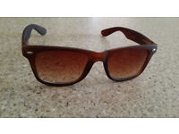 Ray-Ban Sunglasses - Tortoise Brown Wayfarer - Never Worn