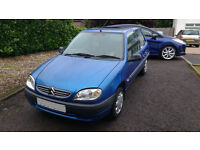 Look *** 2000 Citreon Saxo *** (Great Deal)