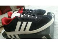 Adidas boys trainers like new size 6