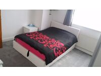 Double room for sisters in Leyton £560 bills inc