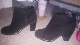 NewLook Suede black ankle boots worn once size 7