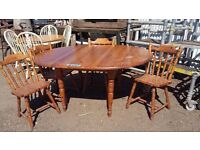 farm house extenderable table and 4 chairs