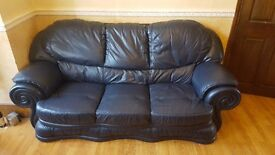 LEATHER SOFAS 1 SINGLE SOFA AND 2 3 SEATER LEATHER SOFAS REAL LEATHER VERY GOOD QUALITY