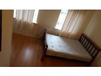 NO AGENCY FEES!!!! Great Cheap Offer.... Double Master room to rent SINGLE WORKING PERSON...