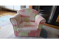 KIDS/TODDLERS FABRIC ARMCHAIR