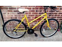 Ladies / Girls mountain bike 26 inch wheels