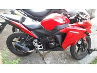 Cbr 125r 2015 mint condition *breaking*