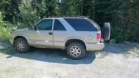 2005 GMC Jimmy 2dr - sub 95000km