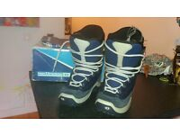 'New' size uk4/5 snowboard boots