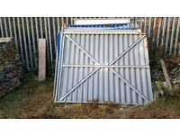 Fencing only 100 panels £15 each with all components fencing not beems or bords