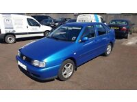 VW polo saloon spares or repairs NO MOT OR TAX may break