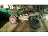 dumper truck manual tip, handle start, located in Brittany France