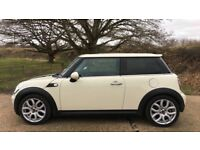 Immaculate White Mini Cooper 1.6 with Electric Panoramic Sunroof Sunroof