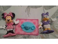 Minnie mouse mini figure set