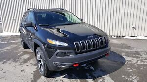 2017 Jeep Cherokee Trailhawk + Toit Pano, Nav, Hitch+