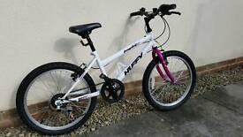 Huffy 20 inch girls bike. 6-speed. Age 7-10.White/Pink