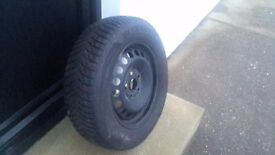4 GOODYEAR winter tyres with rims included 195 / 65 R15