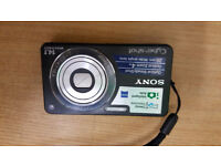 Sony Cyber shot DSC-350 14.1 megapixels. Good Cond. battery charger and leads included