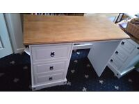White dressing table with pine top