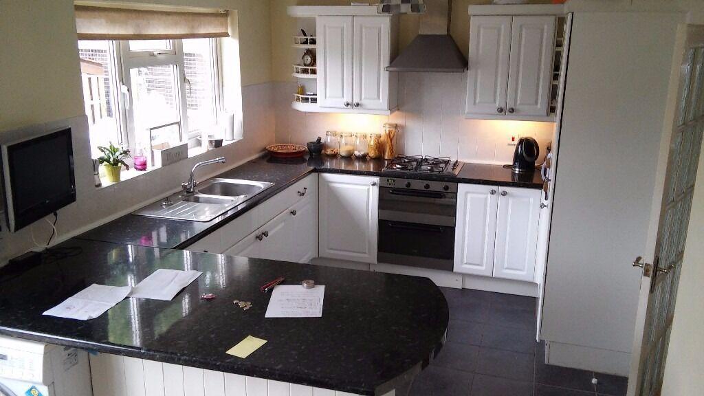 Complete kitchen white high gloss units and black marble for White gloss kitchen corner unit