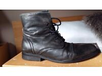 Mens nushu boots size 10