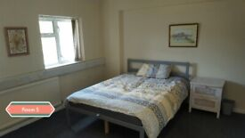 *DOUBLE ROOM AVAILABLE**FULLY FURNISHED**ALL BENEFITS ACCEPTED**SHARED HOUSE**FREE WIFI**NO DEPOSIT*