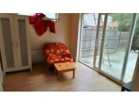 RECENTLY RENOVATED 3 DOUBLE Bedrooms GROUND floor flat near Seven Kings Station--7 Kings--No DSS Plz