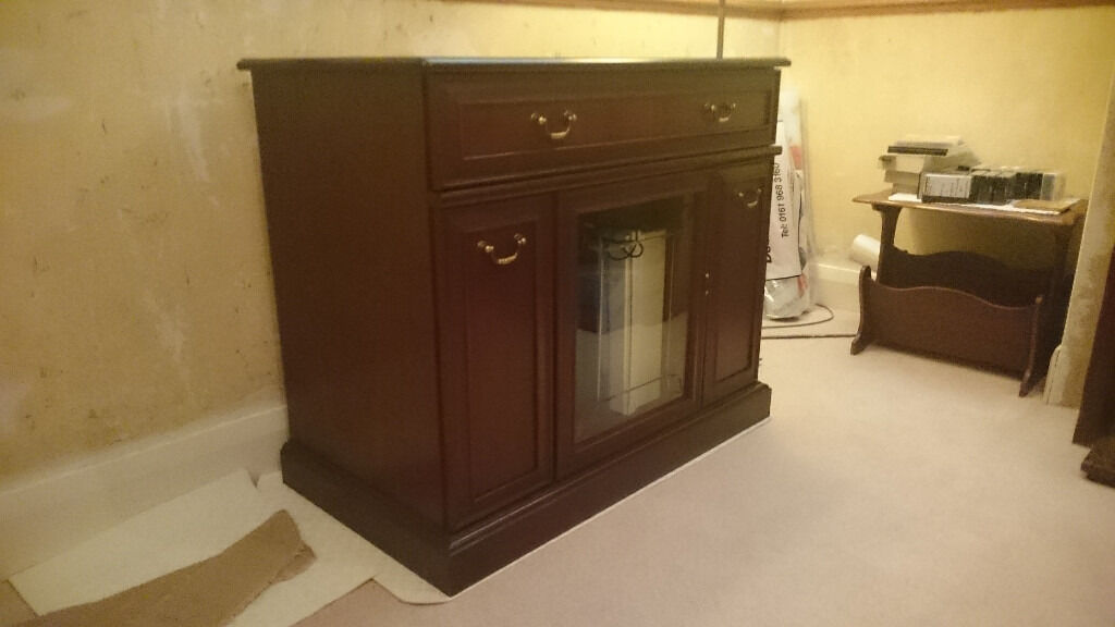 Mahogany Veener Living Room Sideboard / Cabinet Unit