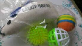 Catnip mouse & toy balls